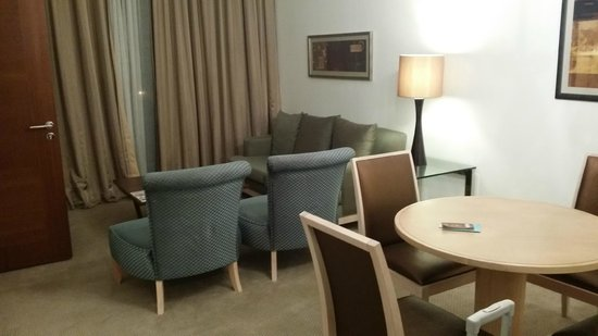 El Aurassi Hotel : Suite - Living
