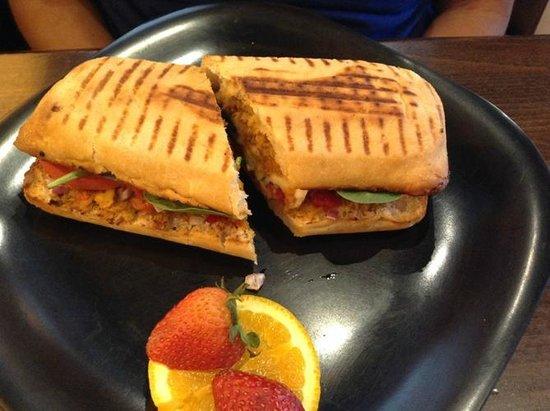 Cafe Soleil: Caprice panini