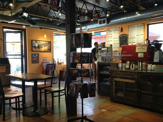 Cafe Soleil : Inside is clean and nice.