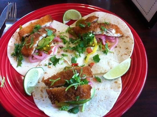 Duluth Grill: wonderful fish tacos!!