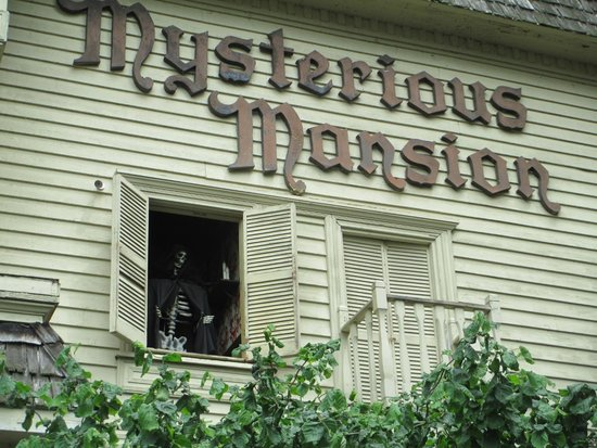 Mysterious Mansion : Spooky