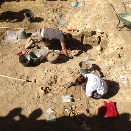 Les Logis du Roy: excavation at the church