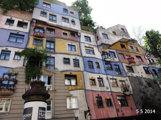 Hundertwasserhaus: Hundertwasser House