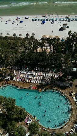 Holiday Inn Resort Panama City Beach : Poolside fun!