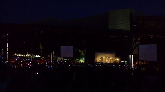 Jiffy Lube Live: One republic at night time