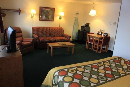 Super 8 Antigo: Suite room