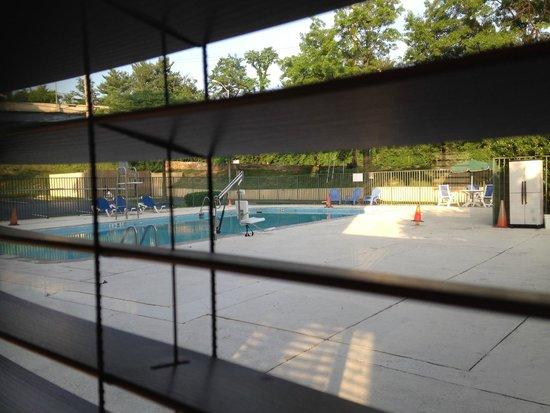 La Quinta Inn & Suites Baltimore South Glen Burnie: pool area