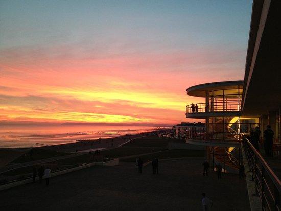 De La Warr Pavilion: Sunset over Pavilion and Beachy Head