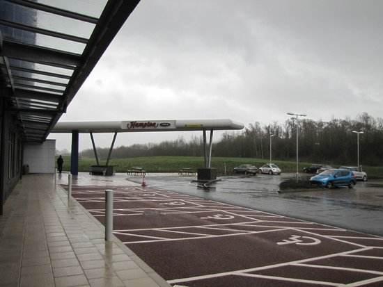 Hampton by Hilton Exeter Airport : Fachada do Hampton by Hilton