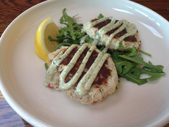 Nancy's Restaurant : crab cakes