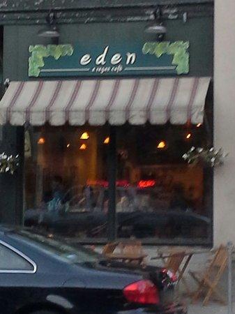 Eden A Vegan Cafe: Eden Vegan Cafe streetfront