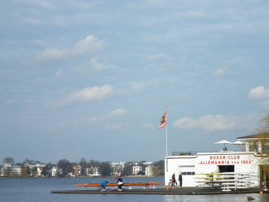 Alster Lakes: A boating club
