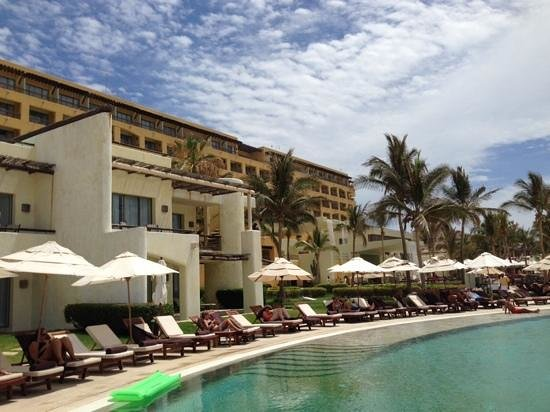Marquis Los Cabos All-Inclusive Resort & Spa: poolside view.