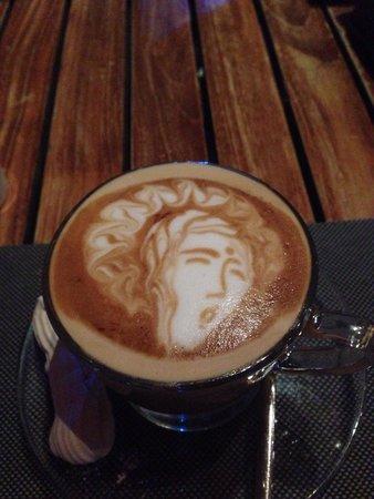 ENVY Bali : Baristakunst Cappuccino