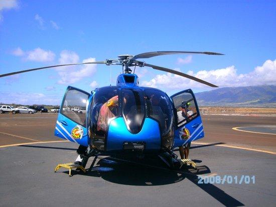 Blue Hawaiian Helicopter Tours - Maui: Super Helo Flight