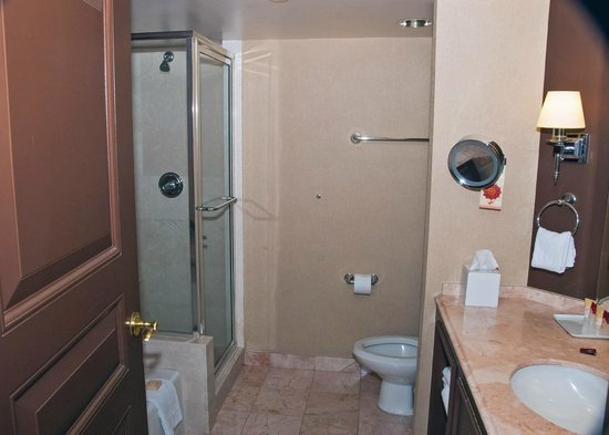Red room premier bathroom picture of paris las vegas for Las vegas bathroom remodeling companies