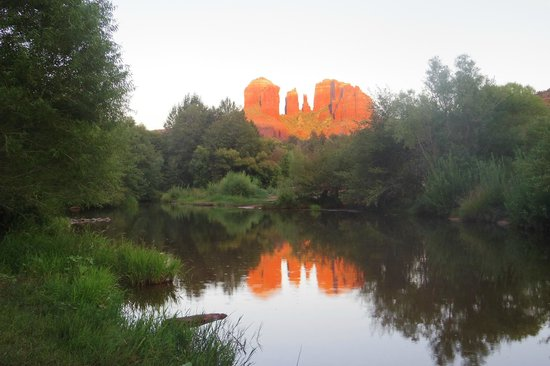 Earth Wisdom Jeep Tours: Red Rock Crossing