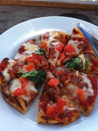 "Martha's Vineyard Chowder Company: ""BLT Pizza"" Lunch special"