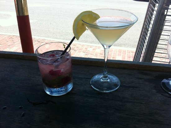 Martha's Vineyard Chowder Company: Great BAR DRINKS!
