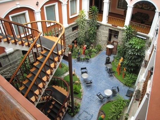 Hotel Patio Andaluz: View from a third floor room