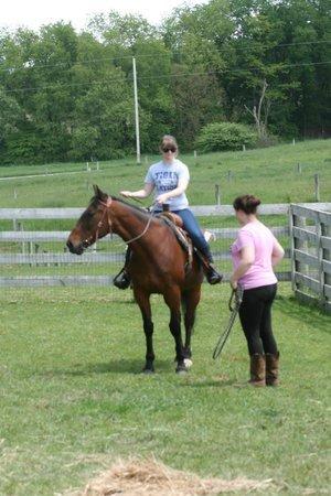 Heartland Country Resort: Horseback riding lesson