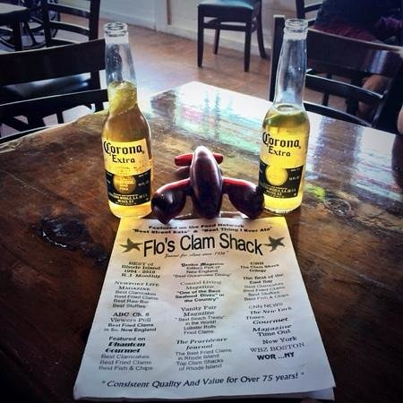 Flo's Clam Shack : cute lobster pager that buzzes when your food is ready