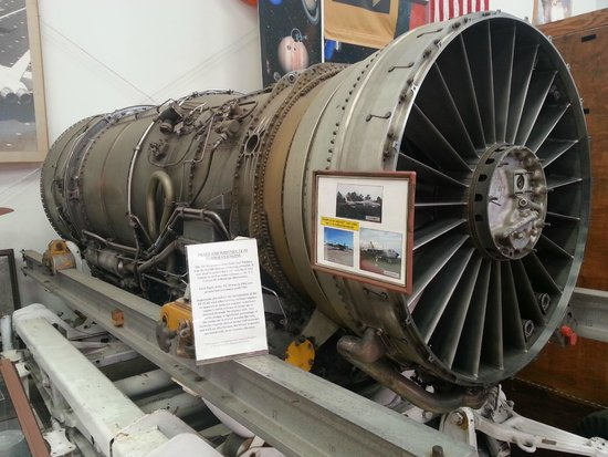 Western Museum of Flight: Examine a real jet engine close up