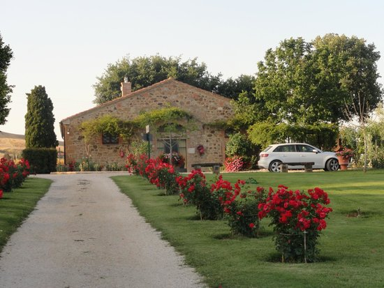 Agriturismi Il Castello La Grancia: Habitaciones que no están en el castillo