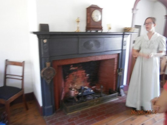 Laura Secord Homestead : Our guide explaining the day to day life of 1812