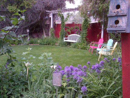 The Garden Cottage Bed and Breakfast: Backyard Garden June 2014
