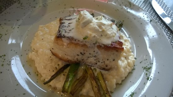 Cannon Beach Cafe: Halibut