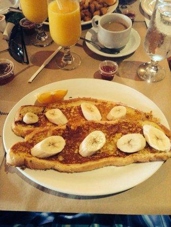 Rotisserie Au Petit Poucet : Mmmm breakfast!!!