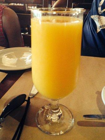 Rotisserie Au Petit Poucet : Freshly squeezed orange juice