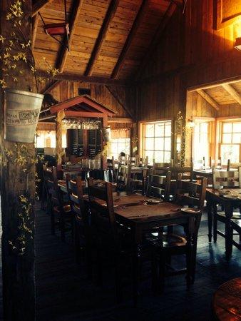 Rotisserie Au Petit Poucet : Gorgeous restaurant