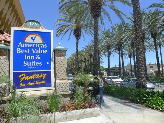 Americas Best Value Inn & Suites: On Katella...
