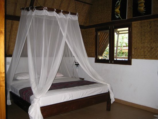 7SEAS Cottages : Main room, comfy bed