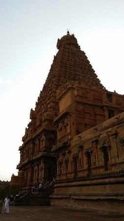 Brihadeeshwara Temple: Big temple