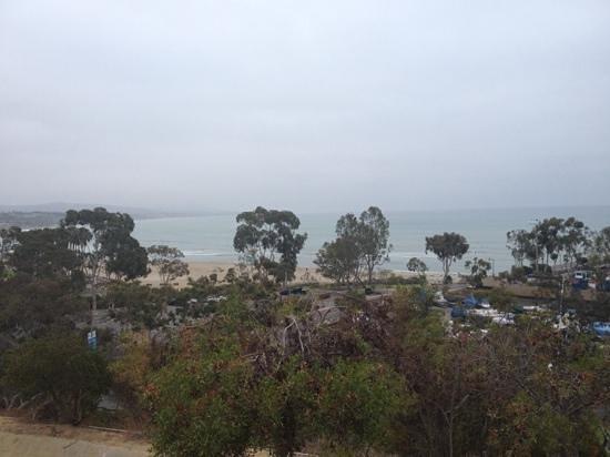 Laguna Cliffs Marriott Resort & Spa: walking to the beach