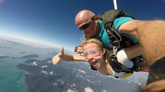 Skydive Airlie Beach: Free fall :)