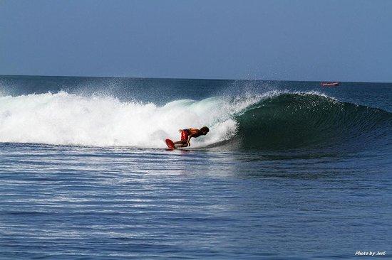 La Barra Surf Camp: Consistent waves