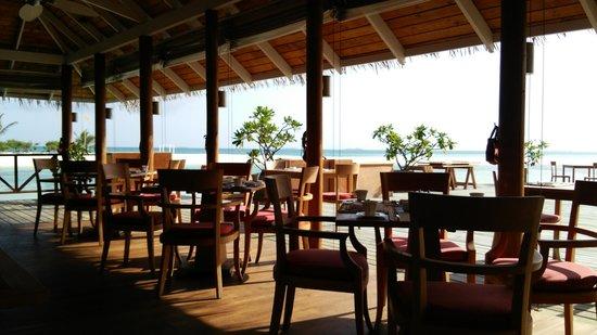 LUX* South Ari Atoll: レストランイースト