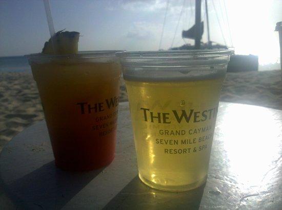 The Westin Grand Cayman Seven Mile Beach Resort & Spa: Happy hour