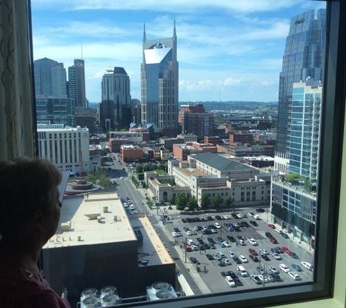 Omni Nashville Hotel: Sixteenth Floor View to the West