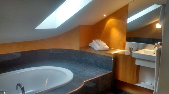 Hotel UTO KULM : bathroom!