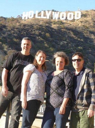 Your L.A. Tours: Aussies under the HollyWood Sign