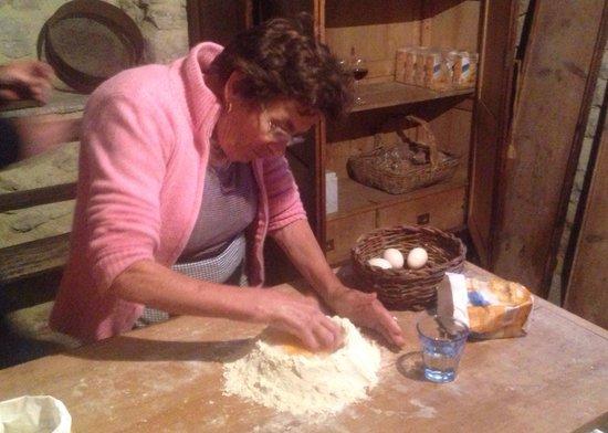 Wild Foods Italy: Nonna starts the pasta