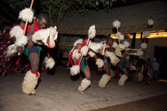 Protea Hotel by Marriott Kruger Gate : Zulu Dancers in the Boma-1