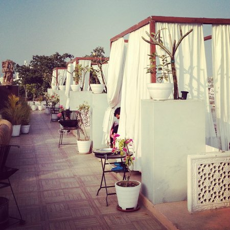 Lake Pichola Hotel: Gorgeous rooftop daybeds