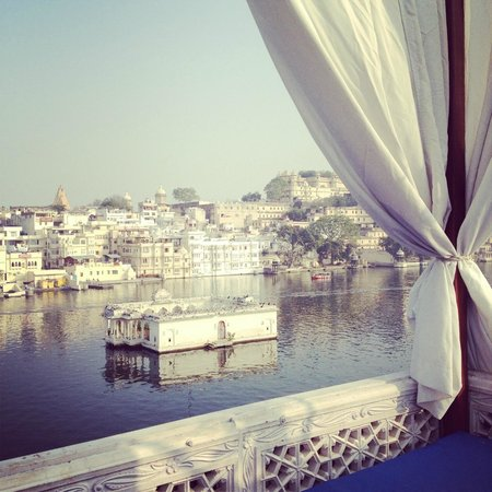 Lake Pichola Hotel: View from the day bed