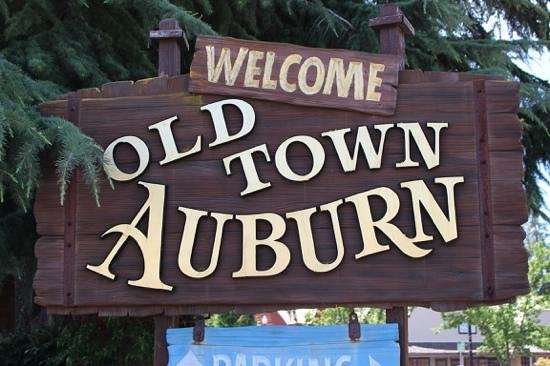 Old Town Auburn : welcome sign
